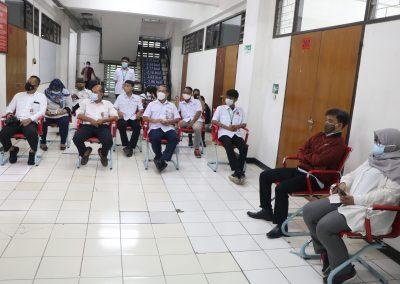 Syukuran Dalam Rangka Kemenangan Organisasi Mahasiswa Unit Peradilan Semu (UPS) Fakultas Hukum UPN Veteran Jakarta sebagai Juara 3 National Moot Court Competition Anti Money Loundring VI Tahun 2021 (3)