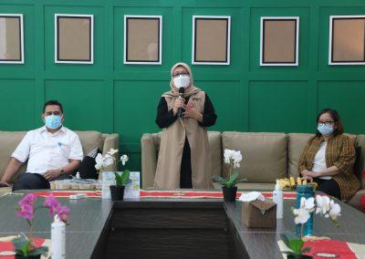 Syukuran Dalam Rangka Kemenangan Organisasi Mahasiswa Unit Peradilan Semu (UPS) Fakultas Hukum UPN Veteran Jakarta sebagai Juara 3 National Moot Court Competition Anti Money Loundring VI Tahun 2021 (4)