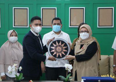 Syukuran Dalam Rangka Kemenangan Organisasi Mahasiswa Unit Peradilan Semu (UPS) Fakultas Hukum UPN Veteran Jakarta sebagai Juara 3 National Moot Court Competition Anti Money Loundring VI Tahun 2021 (10)