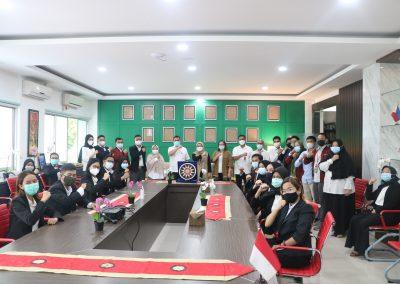 Syukuran Dalam Rangka Kemenangan Organisasi Mahasiswa Unit Peradilan Semu (UPS) Fakultas Hukum UPN Veteran Jakarta sebagai Juara 3 National Moot Court Competition Anti Money Loundring VI Tahun 2021 (11)