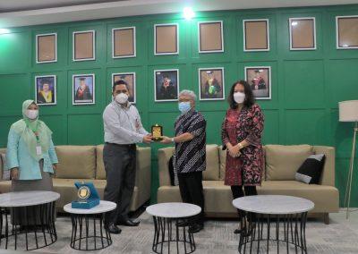 Fakultas Hukum dan Badan Penyelesaian Sengketa Konsumen (BPSK) Provinsi DKI Jakarta Membicarakan Program MBKM (Merdeka Belajar Kampus Merdeka) (4)
