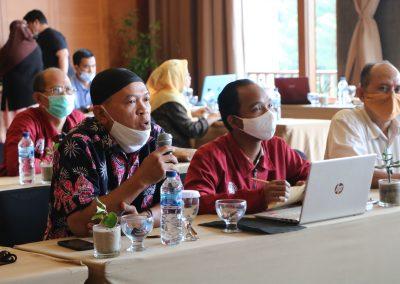 Peserta Rapat Kerja Penyusunan RENSTRA Fakultas Hukum UPN VETERAN JAKARTA Tahun 2020-2024dan Strategi Pencapaian Indikator Kinerja Utama (IKU) – Bandung, 20 – 23 November 2020 (16)
