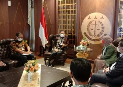 Fakultas Hukum Menghadiri Audiensi Dengan Jaksa Agung Membicarakan Program MBKM (Merdeka Belajar Kampus Merdeka) (4)