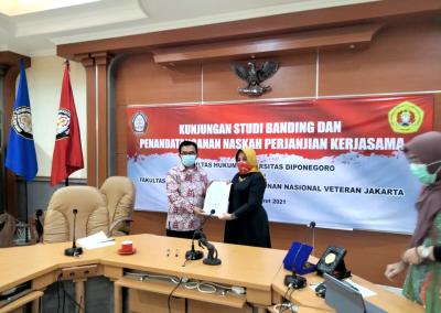 Fakultas Hukum mengadakan Studi Banding ke Fakultas Hukum Universitas Diponegoro dalam rangka pembukaan Program Studi Doktor (S3) Ilmu Hukum sekaligus mengadakan MoU.
