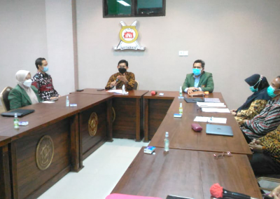 Fakultas Hukum mengadakan Studi Banding ke Fakultas Hukum Universitas Jember dalam rangka pembukaan Program Studi Doktor (S3) Ilmu Hukum sekaligus mengadakan MoU. (2)