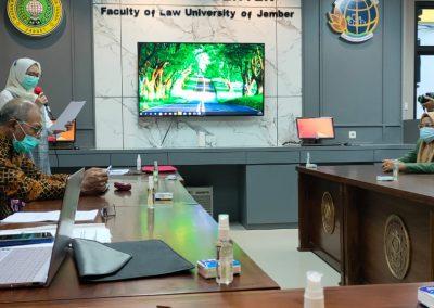 Fakultas Hukum mengadakan Studi Banding ke Fakultas Hukum Universitas Jember dalam rangka pembukaan Program Studi Doktor (S3) Ilmu Hukum sekaligus mengadakan MoU. (6)