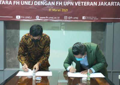 Fakultas Hukum mengadakan Studi Banding ke Fakultas Hukum Universitas Jember dalam rangka pembukaan Program Studi Doktor (S3) Ilmu Hukum sekaligus mengadakan MoU. (7)