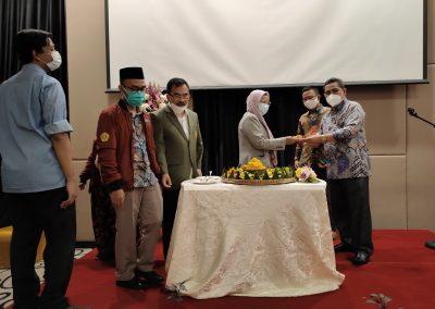 Puncak Acara Dies Natalis ke – 21 Fakultas Hukum UPN Veteran Jakarta (16)