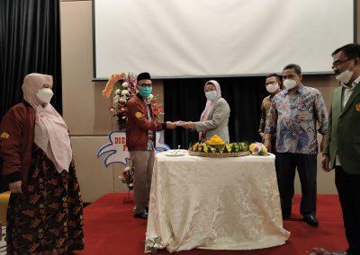 Puncak Acara Dies Natalis ke – 21 Fakultas Hukum UPN Veteran Jakarta (15)