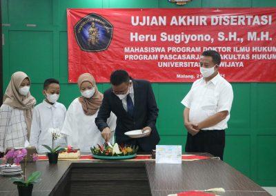 Selamat dan Sukses kepada Bapak Heru Sugiyono, S.H., M.H. Dosen Tetap Fakultas Hukum atas diraihnya gelar Doktor (27)