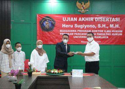 Selamat dan Sukses kepada Bapak Heru Sugiyono, S.H., M.H. Dosen Tetap Fakultas Hukum atas diraihnya gelar Doktor (28)