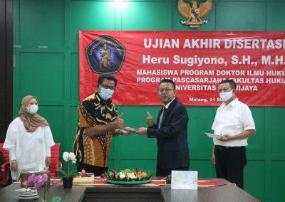 Selamat dan Sukses kepada Bapak Heru Sugiyono, S.H., M.H. Dosen Tetap Fakultas Hukum atas diraihnya gelar Doktor (33)