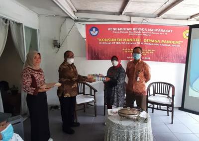 Dalam Rangka Dies Natalis FH UPNVJ yang Ke – 21, Fakultas Hukum UPN Veteran Jakarta Lewat Lembaga Konsultasi dan Bantuan Hukum (LKBH) Mengadakan Konsultasi Hukum Gratis (2)