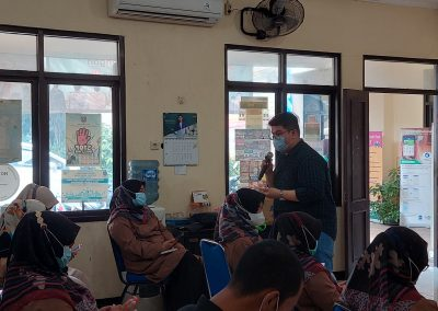 Fakultas Hukum mengadakan Pengabdian kepada Masyarakat (Abdimas) – Penanggulangan Kebencanaan di Kelurahan Pangkalan Jati, Depok, Jawa Barat. (8)