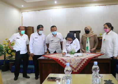 Fakultas Hukum UPN Veteran Jakarta andil dalam bagian penjajakan kerja sama kajian hukum dan rancangan peraturan daerah Indramayu (20)