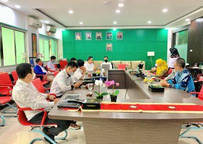 Fakultas Hukum UPN Veteran Jakarta dan Fatahillah Mediation Center (FMC) Universitas Islam Negeri Syarif Hidayatullah Jakarta Membicarakan skema kerja sama Diklat Mediasi (2)