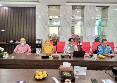 Fakultas Hukum UPN Veteran Jakarta dan Fatahillah Mediation Center (FMC) Universitas Islam Negeri Syarif Hidayatullah Jakarta Membicarakan skema kerja sama Diklat Mediasi (4)